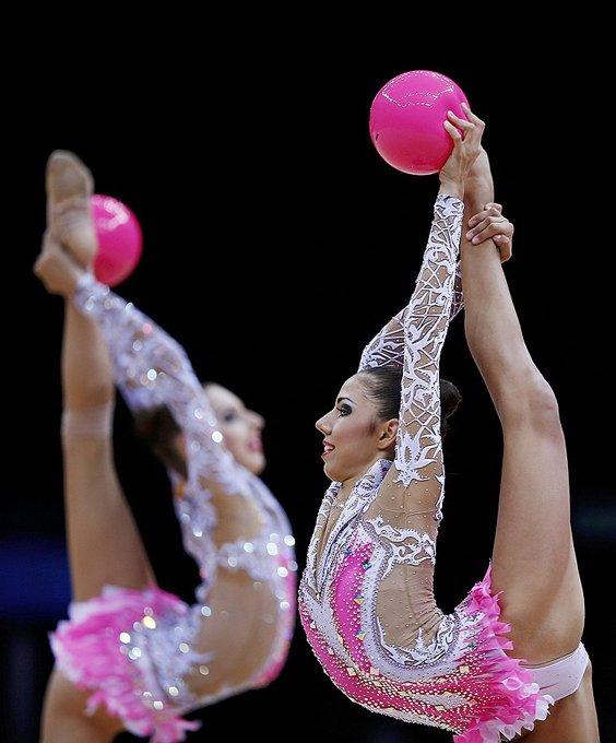 гимнастка крупным планом